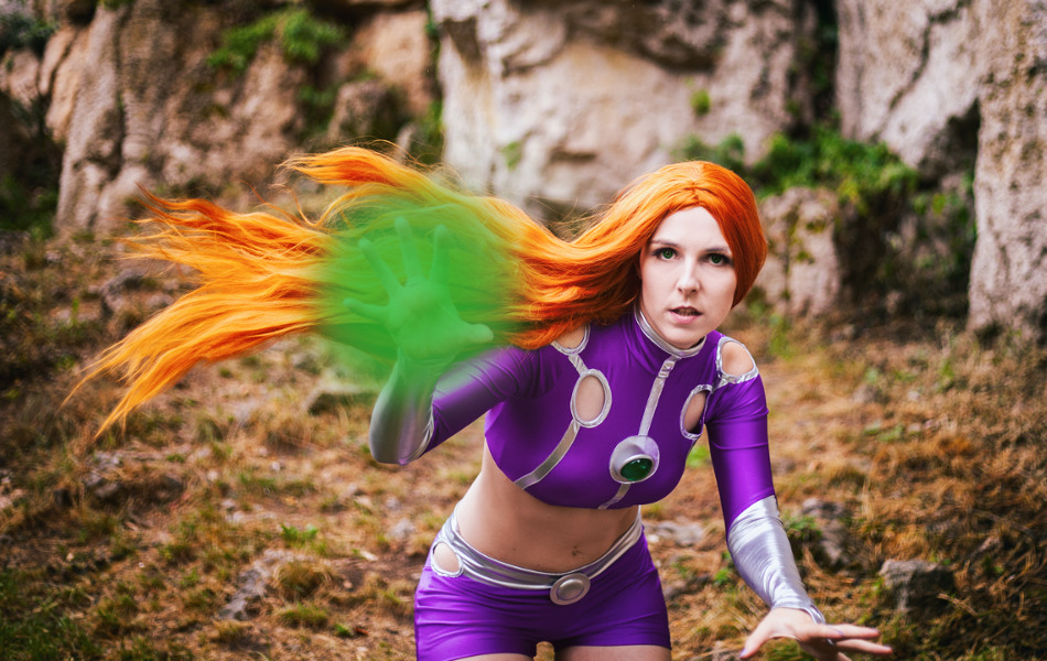 Starfire Cosplay New 52 DC Comics Posing Hairflip