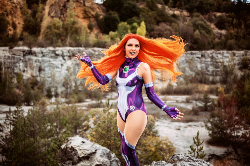Sajalyn Rebirth Cosplay Starfire