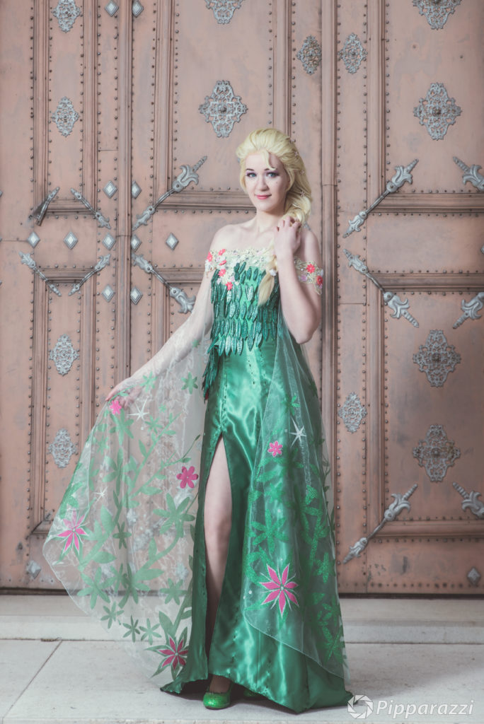 Elsa Frozen Cosplay Wettergott