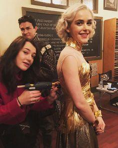 SajaLyn sabrina spellman gold dress chilling adventures of season 2 cosplay kostüm Kiernan Shipka Masquerade