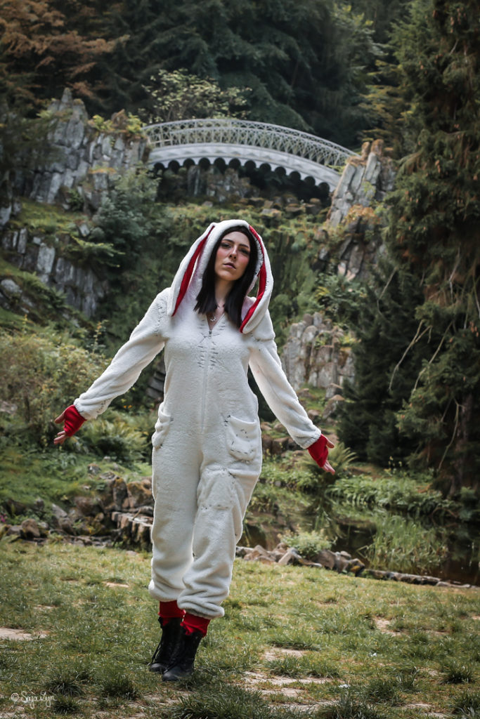 SajaLyn Cosplay Alice Asylum Alice Madness Returns White Rabbit American McGee