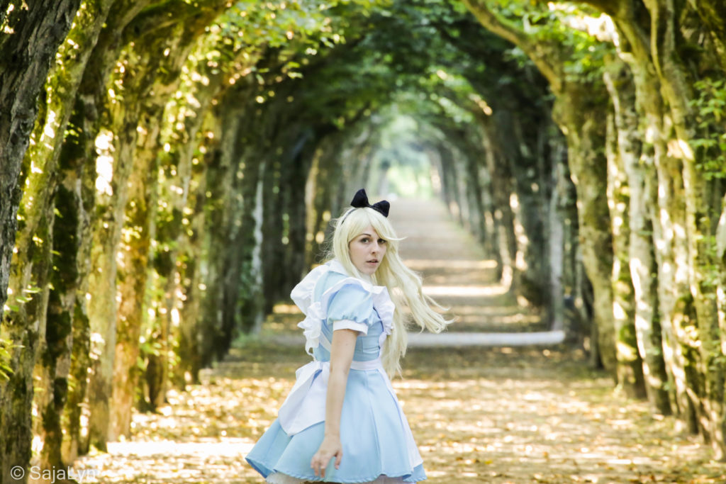 Alice im Wunderland Cosplay SajaLyn Wonderland Disney 2015